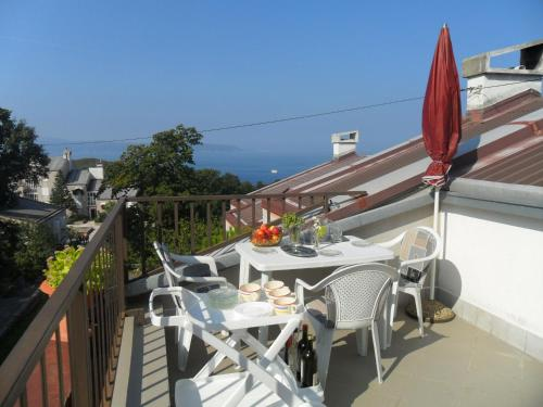 A balcony or terrace at Apartments Simpa