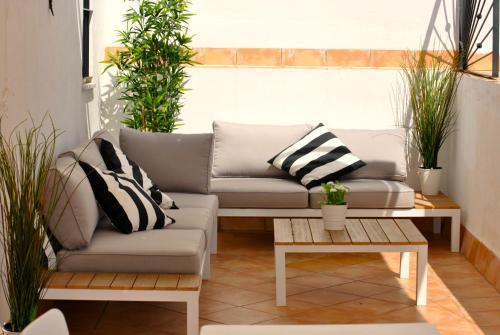 A seating area at Triana Pelay