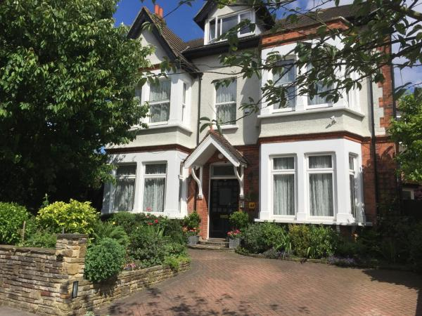 Croham Park Bed & Breakfast in Croydon, Greater London, England