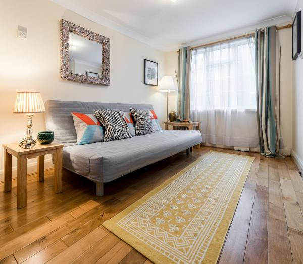 2 Bedroom Flat in Marylebone in London, Greater London, England
