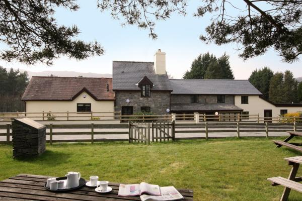 Vulcan Lodge Cottages in Rhayader, Powys, Wales