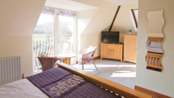 Ammonite Bed & Breakfast in Corfe Castle, Dorset, England