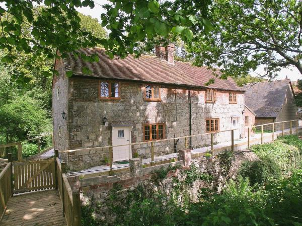 Mill Cottage in Calbourne, Isle of Wight, England