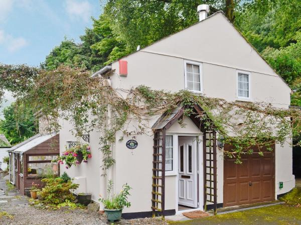Garden Cottage in Gunnislake, Cornwall, England