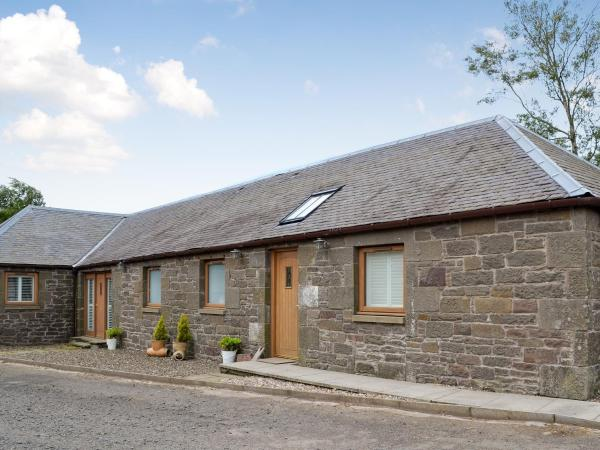 Appletree Cottage in Kirkton of Tealing, Angus, Scotland