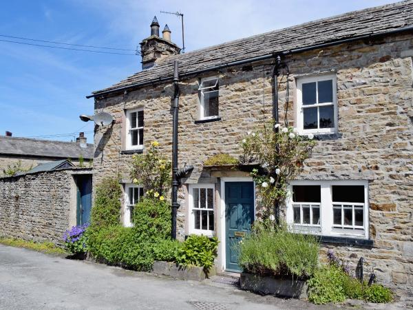 Cringley Cottage in Askrigg, North Yorkshire, England