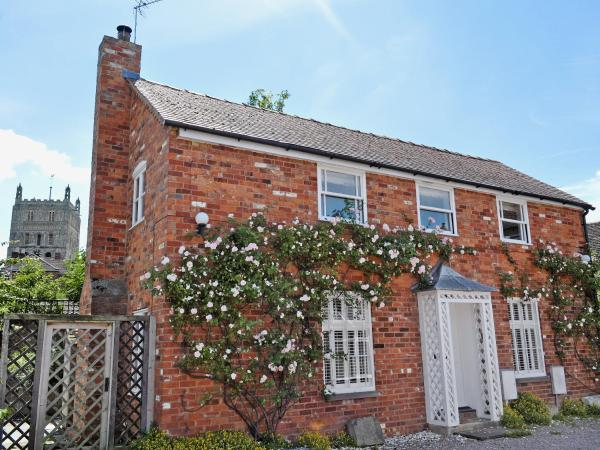 Stonemasons Cottage in Tewkesbury, Gloucestershire, England