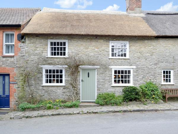 Chestnut Cottage in Puncknowle, Dorset, England