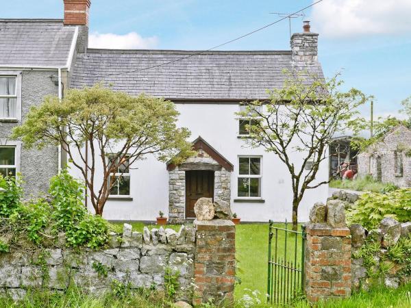 Murton Farm Cottage in Bishopston, Glamorgan, Wales