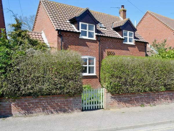 Dormouse Cottage in Sea Palling, Norfolk, England