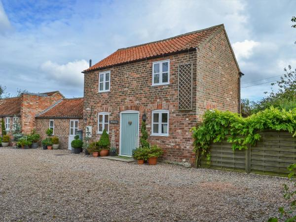 Wisteria Cottage II in Chapel Saint Leonards, Lincolnshire, England