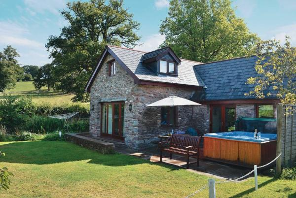 Wagon House Cottage in Usk, Monmouthshire, Wales