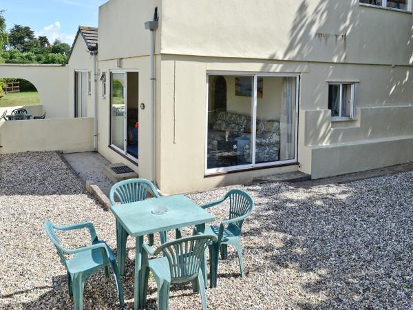 Appletree Apartment in Shaldon, Devon, England