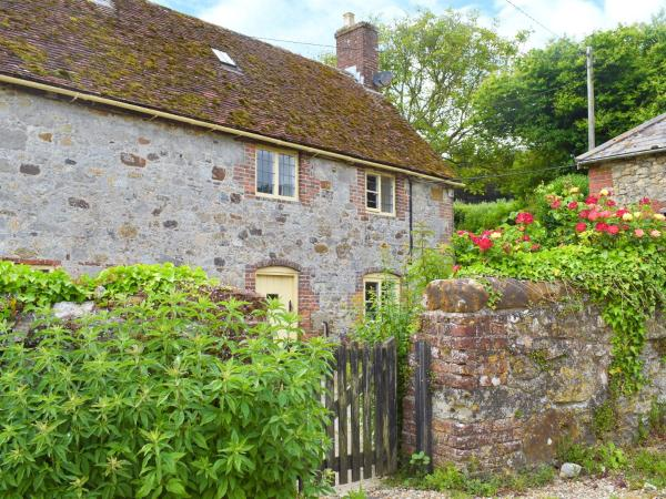 Cheverton Farm Cottage in Shorwell, Isle of Wight, England