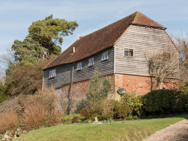 Scrag Oak Oast in Wadhurst, East Sussex, England