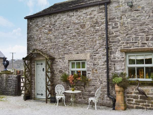 Sweet Knoll Cottage in Castleton, Derbyshire, England