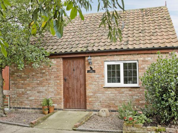 Owl Cottage in Little Steeping, Lincolnshire, England