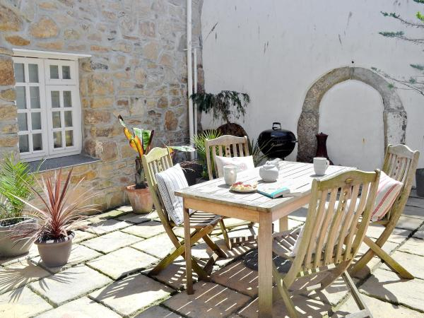 Kitchen Cottage in Penzance, Cornwall, England