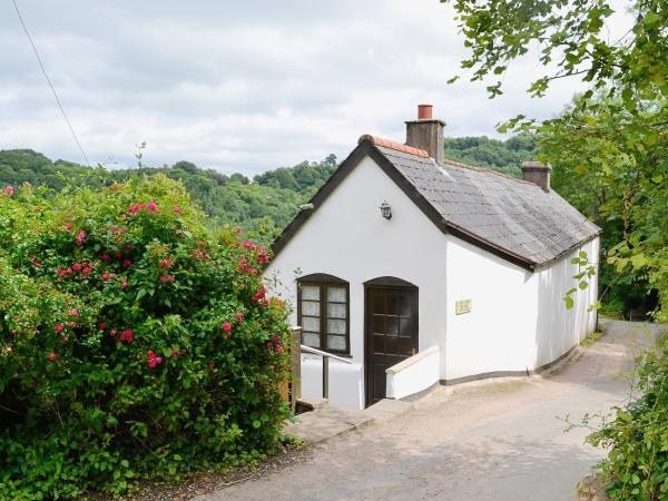 River Wye View Cottage in Whitchurch, Herefordshire, England
