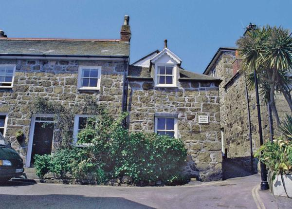 Corner Cottage III in Mousehole, Cornwall, England