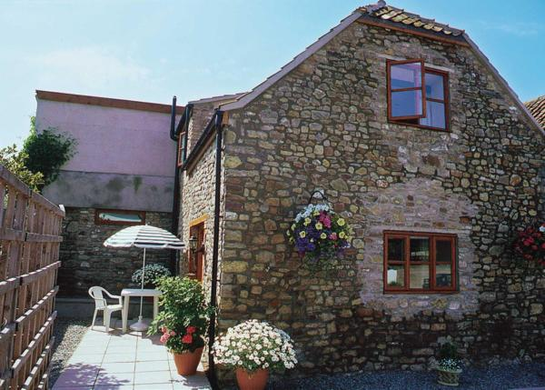 Honey Acre Cottage in Winscombe, Somerset, England