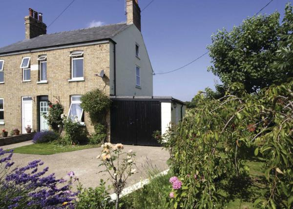 Greenbank Cottage in Denver, Norfolk, England