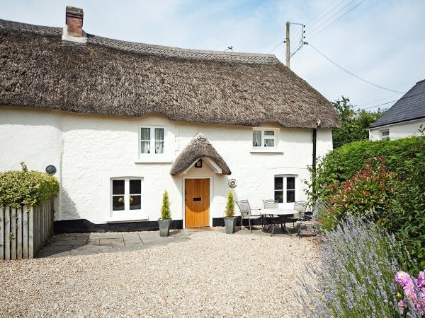 Thatch Cottage in Chittlehampton, Devon, England