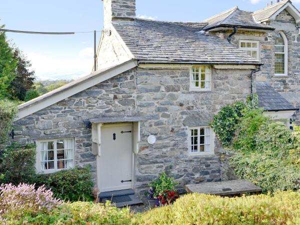 Rectory Cottage in Llangower, Gwynedd, Wales