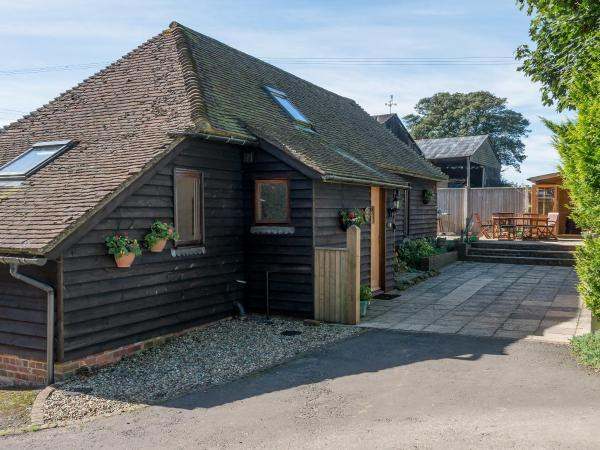 Sycamore Barn in Elmsted, Kent, England