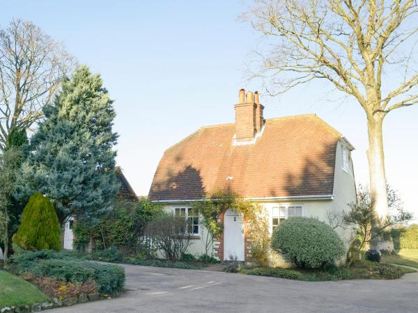 Sapperton Cottage in Peaslake, Surrey, England