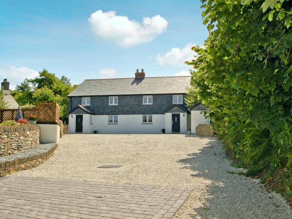 Home Park Farm Cottages B in Camelford, Cornwall, England