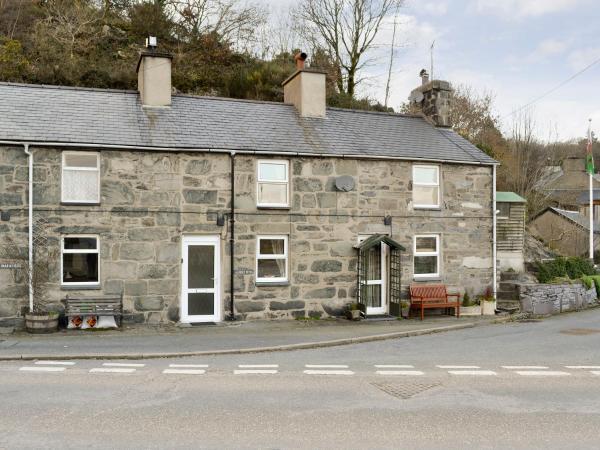 4 Tan Y Bryn Terrace in Porthmadog, Gwynedd, Wales