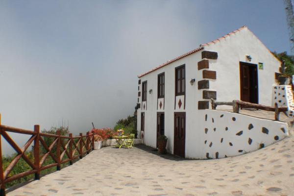 Faro con vistas al Mar