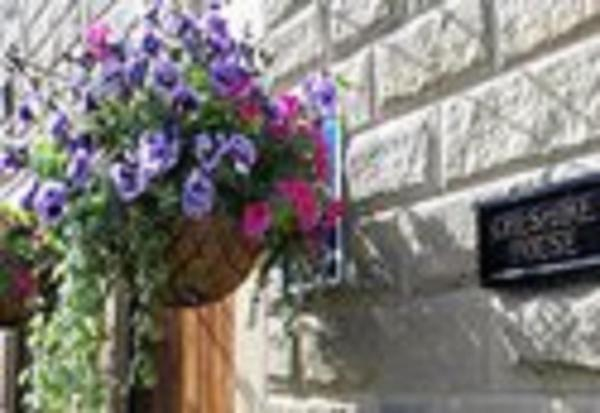 Cheshire House Bed and Breakfast in Castleton, Derbyshire, England
