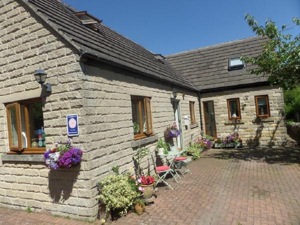 Innisfree Cottage in Eyam, Derbyshire, England