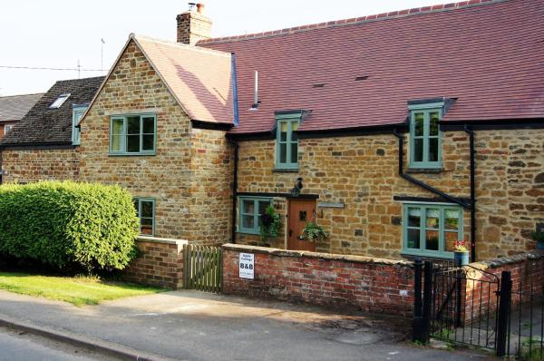 Apple Cottage Bed and Breakfast in Lower Boddington, Northamptonshire, England