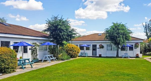 Beaches Bungalow in Dawlish, Devon, England