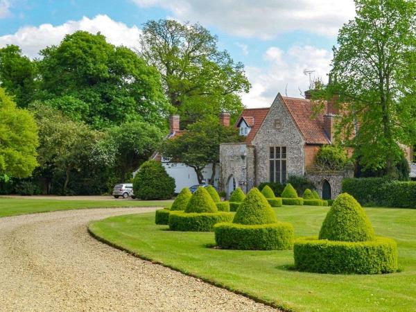 Old Rectory Cottage in Heydon, Norfolk, England