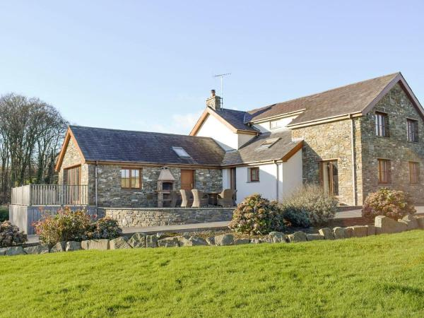 The Farmhouse in Mydroilin, Ceredigion, Wales