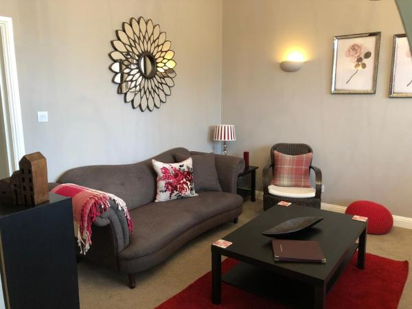 Number 10 service apartment - Danes in Southampton, Hampshire, England