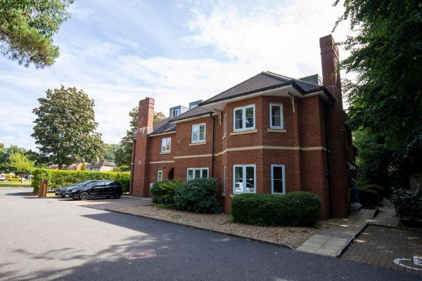 Flexi-Lets@Old Rectory Court, Frimley in Frimley, Surrey, England