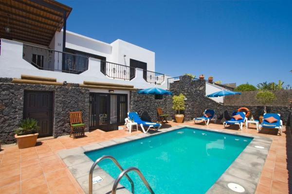 4 bedroom Villa Saturn with private heated pool