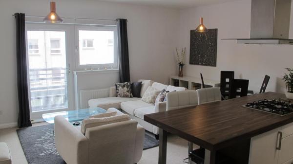 Mulberry Vacation Apartment in Renfrew, Renfrewshire, Scotland