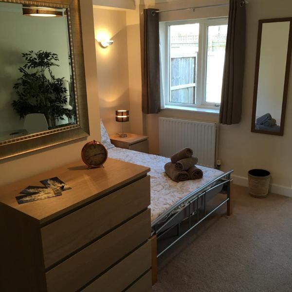 Quarters Living - 16 Welbeck Place Apartment 1 in Oxford, Oxfordshire, England