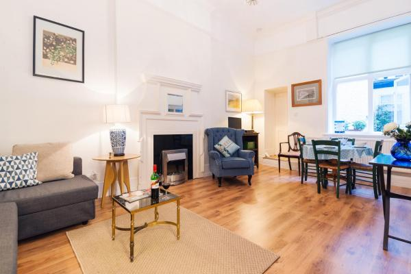 FG Property - Chelsea, Chelsea Embankment, Flat 9 in London, Greater London, England