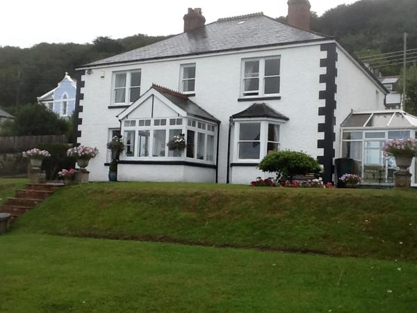 Mayfield House B&B in Westward Ho, Devon, England