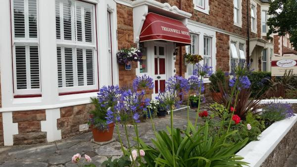 Tregonwell House - Guest House in Minehead, Somerset, England