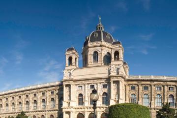 Vienna: Car rentals in 9 pickup locations