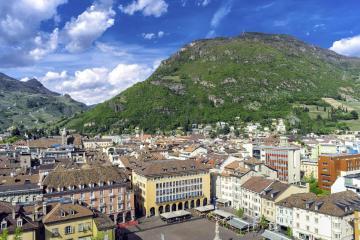 Bolzano: Car hire in 4 pick-up locations