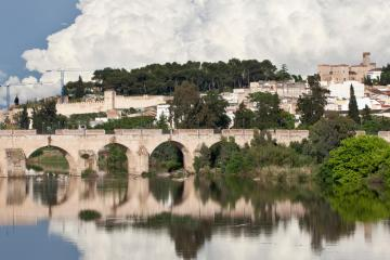 Badajoz: Car hire in 3 pick-up locations